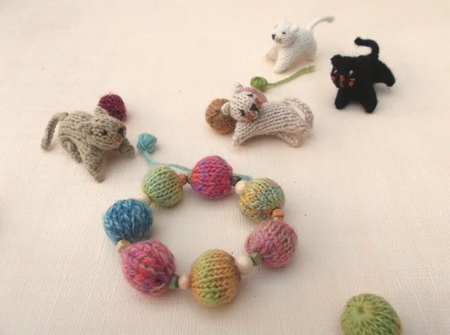 Knitted bead bracelet