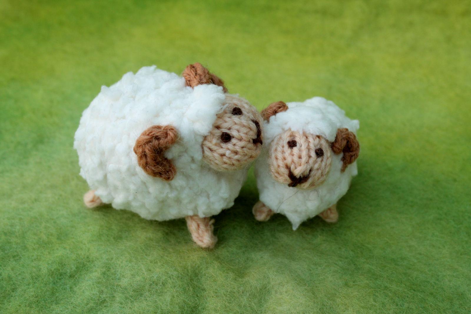 Plymouth Yarns Free Knitting Patterns : craft