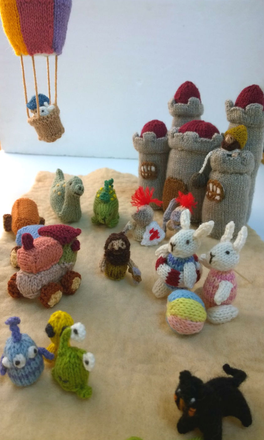 Knitting Patterns Mini Toys : Mini knitted toys book knits by sachi