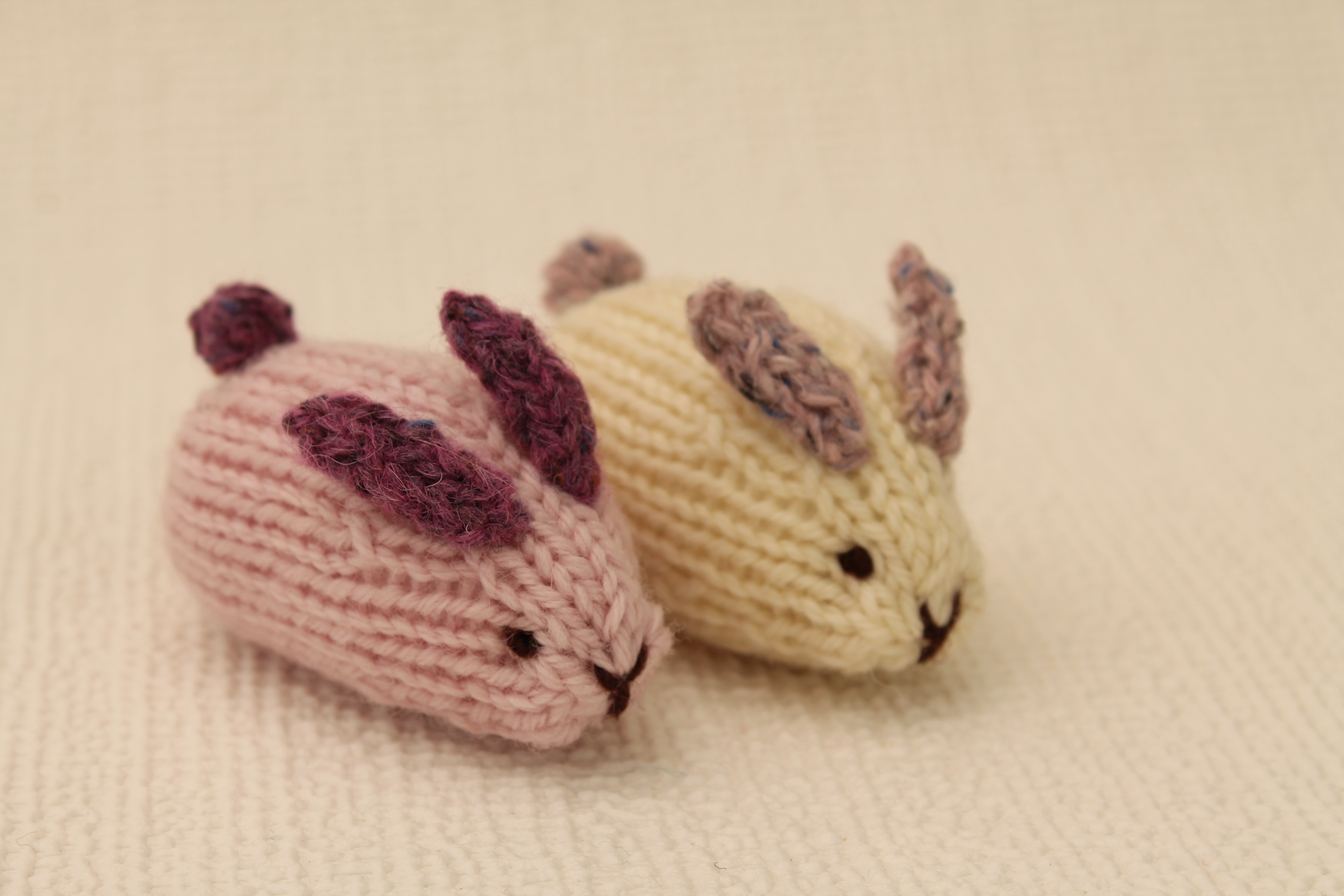 Knitting Easter Bunnies : Little easter bunnies knits by sachi
